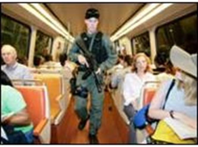 Metro teşhircisi teşhir ediliyor